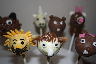 Chronicles of Narnia cake pops