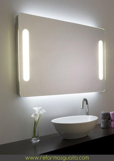Iluminacion Baño Easy:Un simple gesto, un movimiento sutil y se ilumina el rostro Acabamos