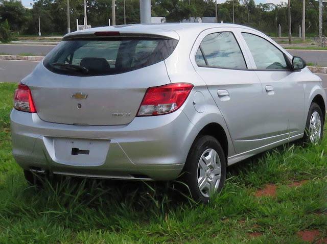 Chevrolet Onix 2016 1.0 Prata