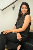 Kruthika Jayakumar gorgeous photo2-thumbnail-12