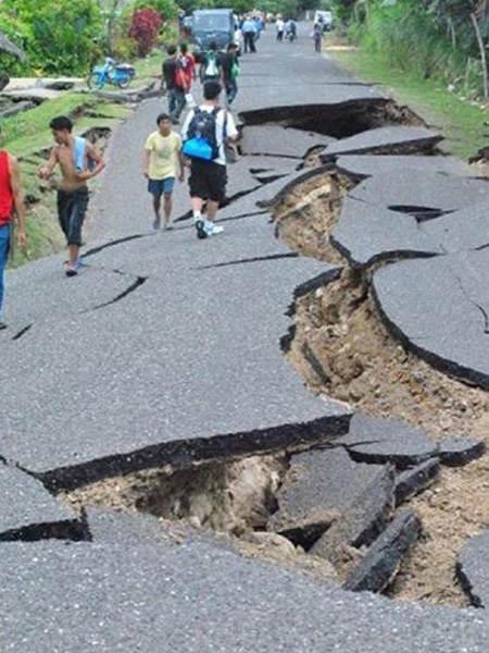 jalan-longsor-filipina