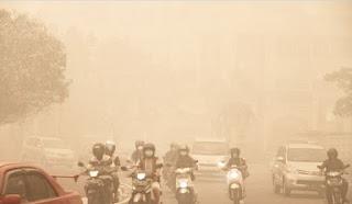 Antara Barat Dan Timur, Indonesia Raya-kabut asap kota riau