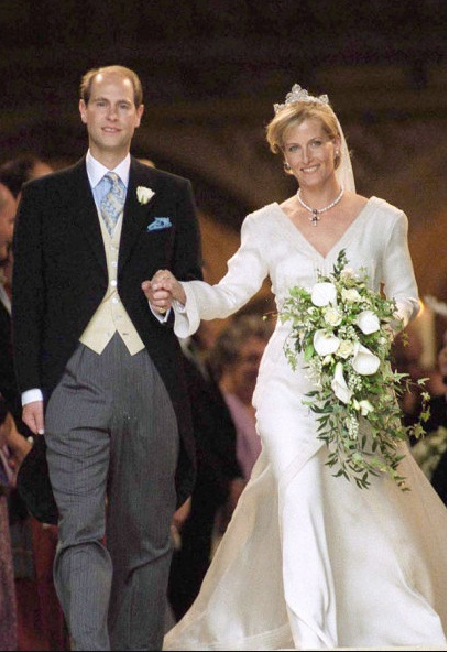 The Royal Order Of Sartorial Splendor Wedding Wednesday The Countess Of Wessex S Gown