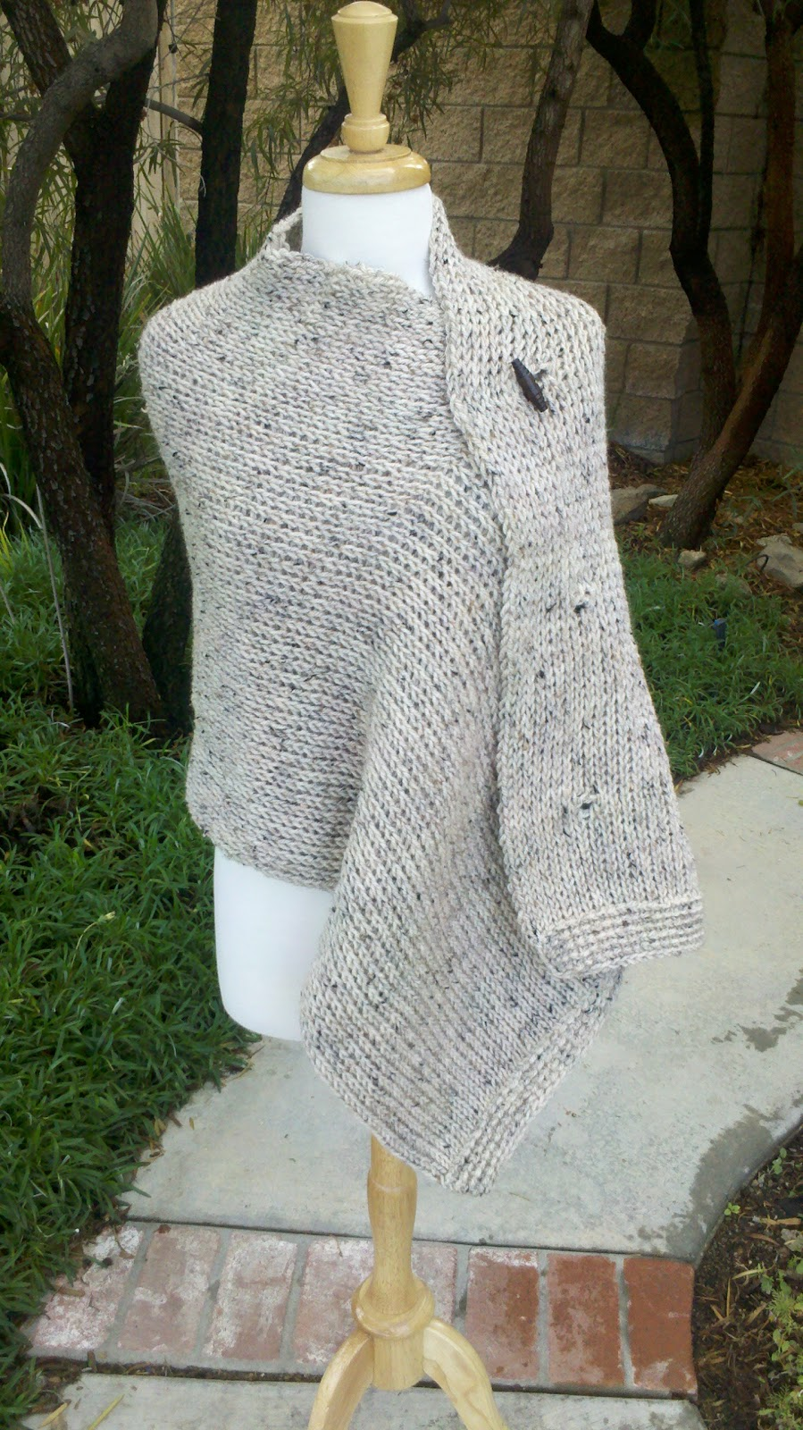 The Laughing Willow: Three Button Wrap