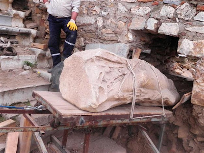 2,500-year-old statue unearthed in Metropolis