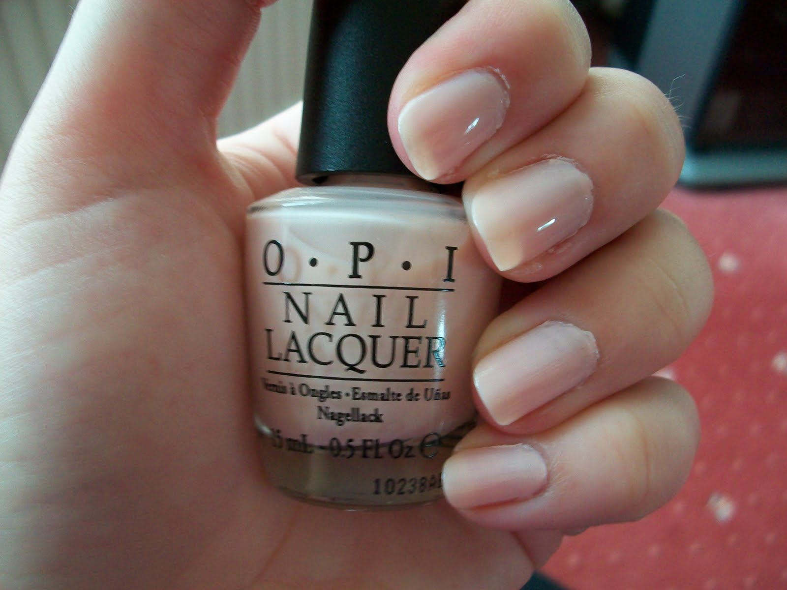 Fabuleux Maz Makeup: OPI Sweetheart - Swatch & Review ER92