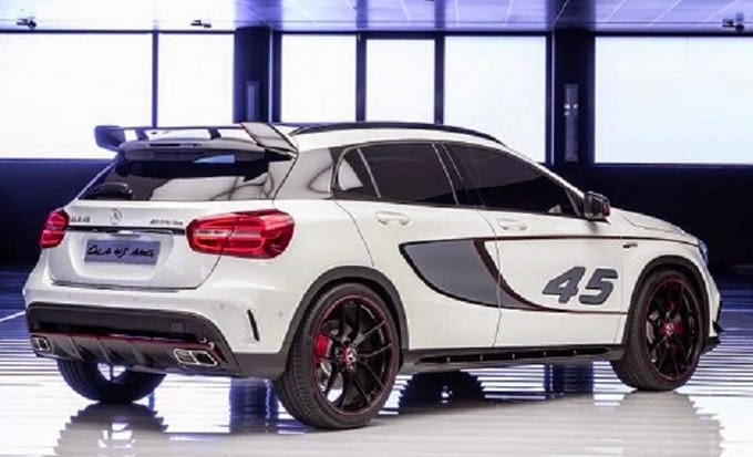 2015 Mercedes GLA45 AMG rear view