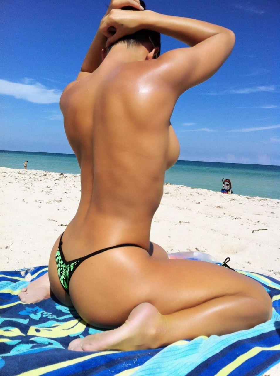 Хотелось еще красивые голые девушки в бикини автору. дальше