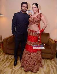 sunny leone image with her brother