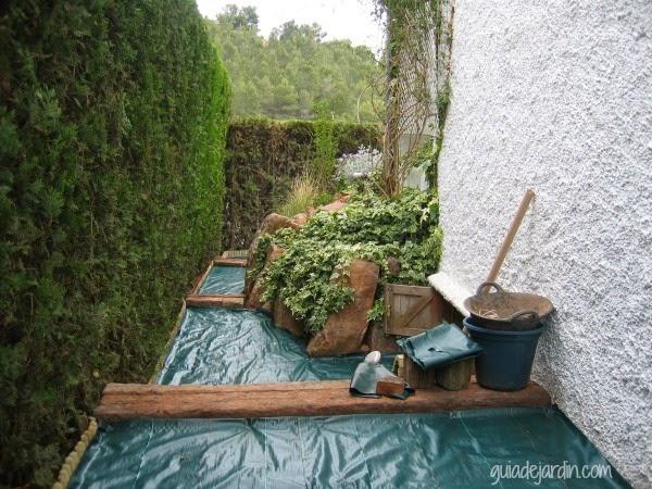 Mirando atr s mi primer rosal evelyn guia de jardin - Gravas para jardin ...