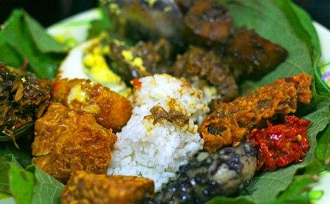 serba serbi masakan nusantara: Nasi Jamblang Khas Cirebon