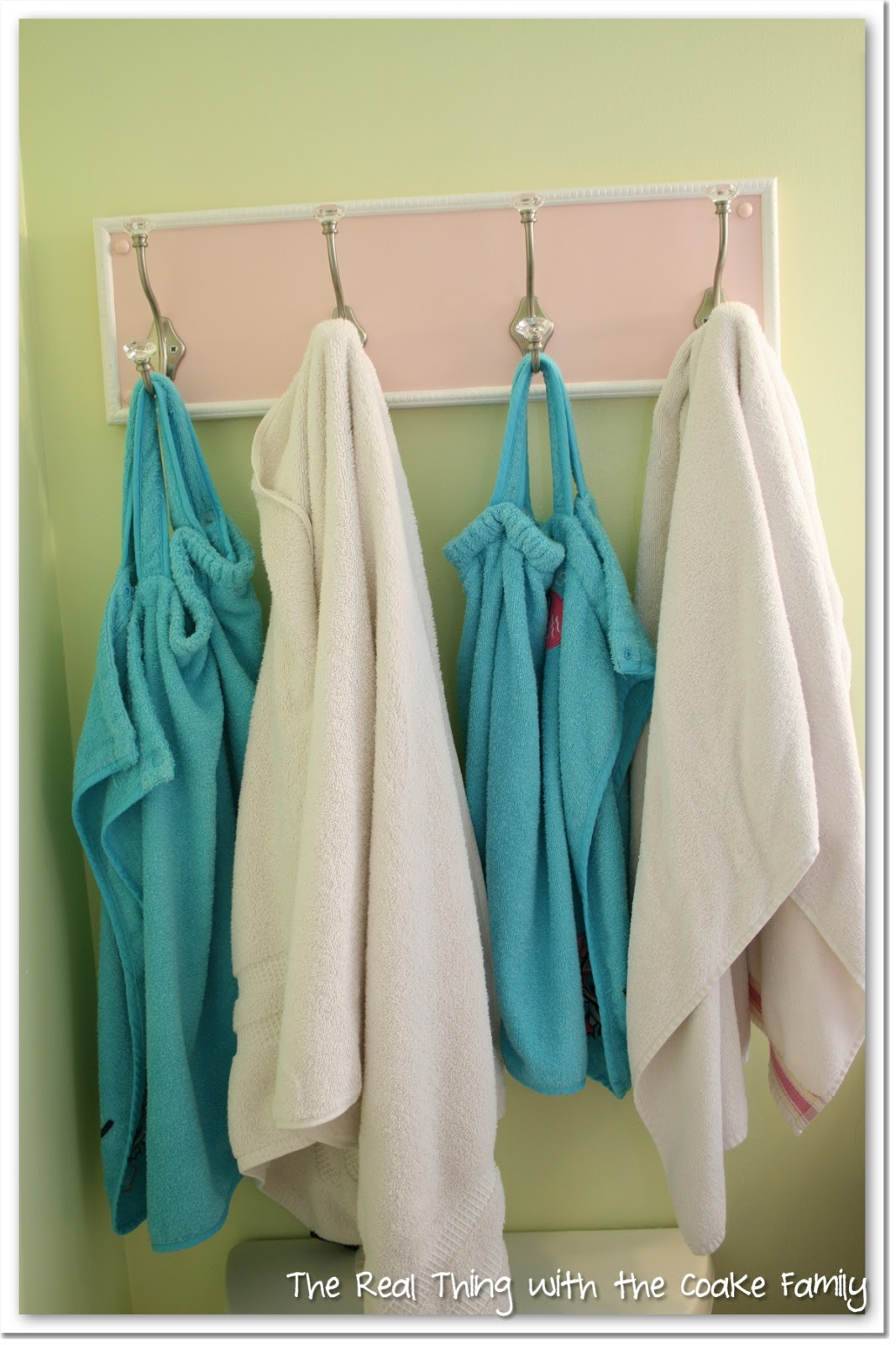 Bathroom Towel Rack {DIY}