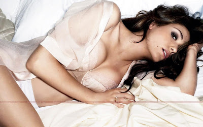 emmy_rossum_hot_wallpapers_page4angels.blogspot.com