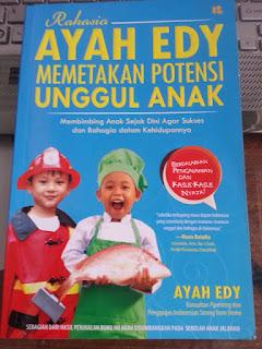 Resensi Buku Rahasia Ayah Edy Memetakan Potensi Unggul Anak