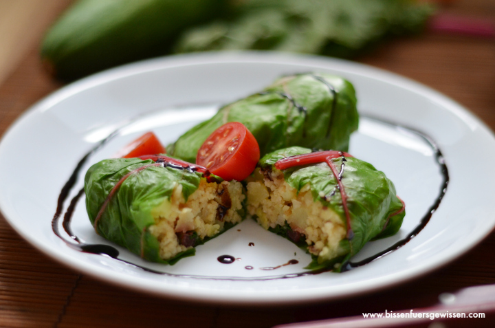 rezept vegane mangoldp ckchen mit couscous. Black Bedroom Furniture Sets. Home Design Ideas