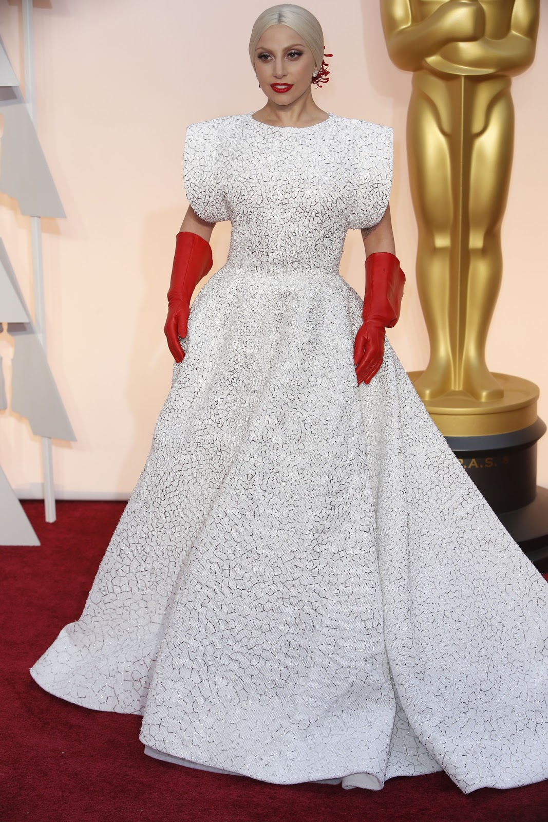 Lady Gaga in Alaïa‎ at the Oscars 2015
