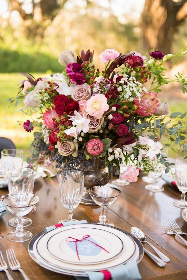pink and burgundy wedding centerpiece