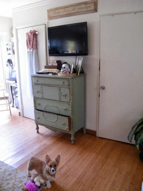 The Lovely Side Ashley S Beachy Shabby Chic Studio Apartment