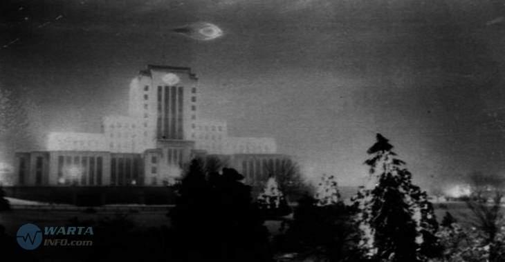 Foto gambar jadul penampakan pesawat UFO terbang di vancouver tertangkap kamera