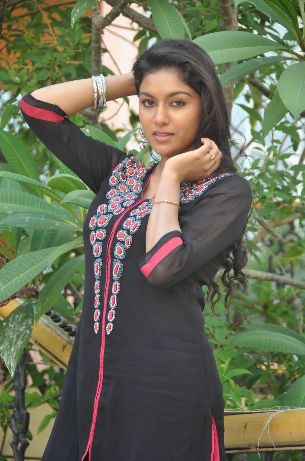 Akshaya glam photo shoot gallery-HQ-Photo-16
