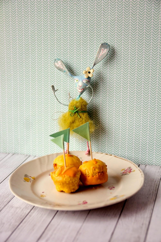 Leivonta, minimuffinssit, muffinssit, pääsiäinen, pääsiäiskoristeet