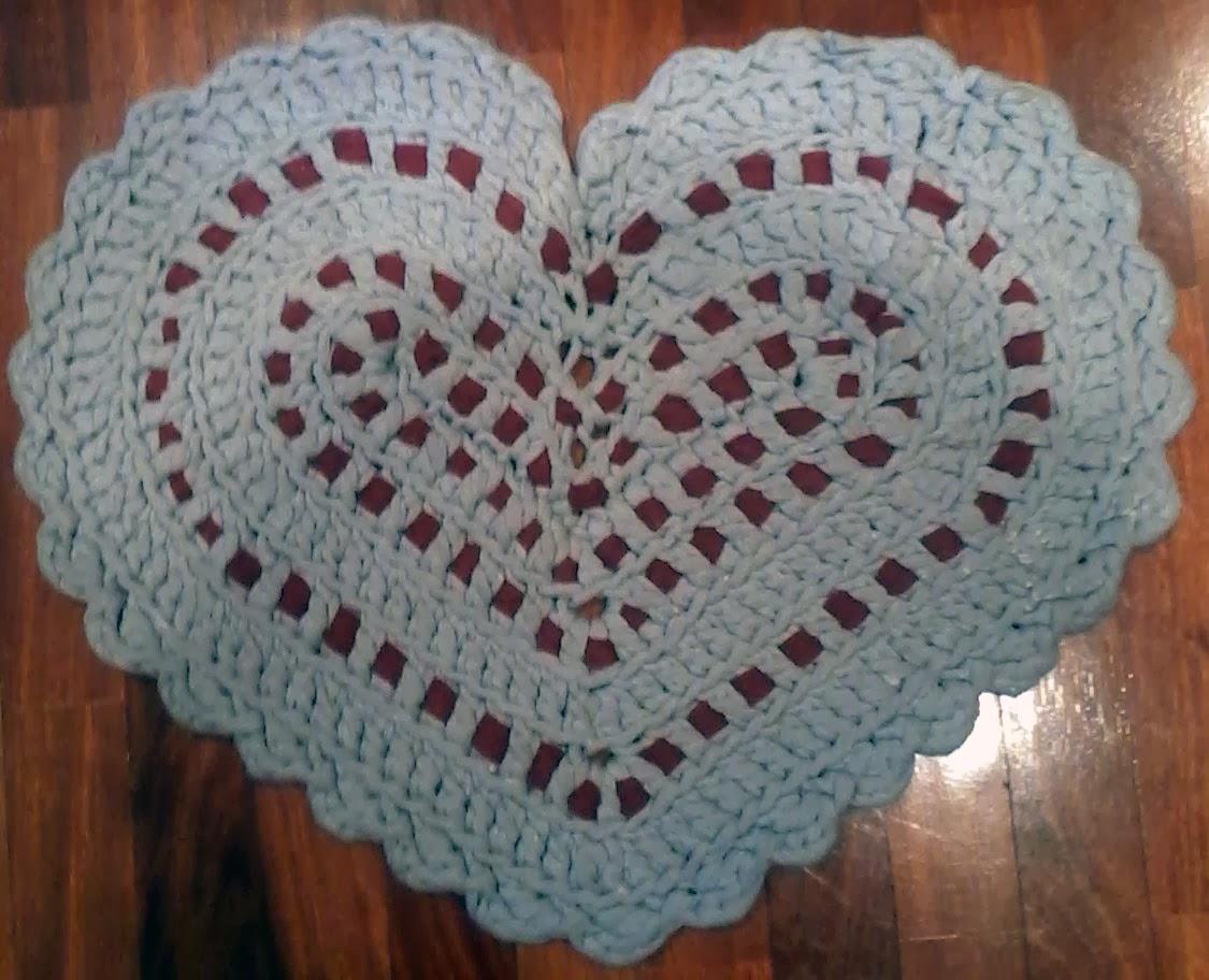 alfombra corazón de trapillo