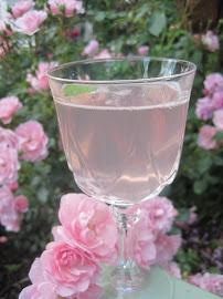 Rabarber och rosensaft