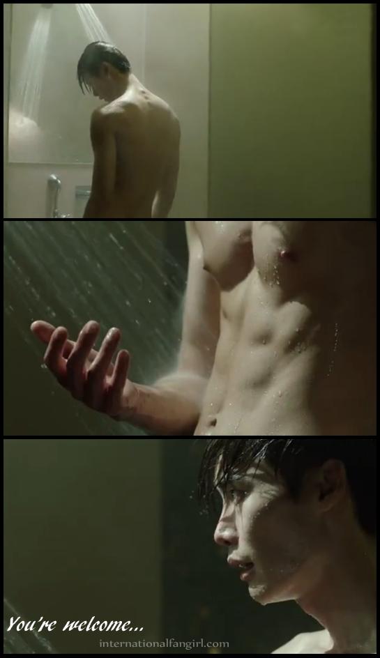 Lee Jong Suk 이종석 as Park Hoon in Doctor Stranger 닥터 이방인 - Shower Scene.