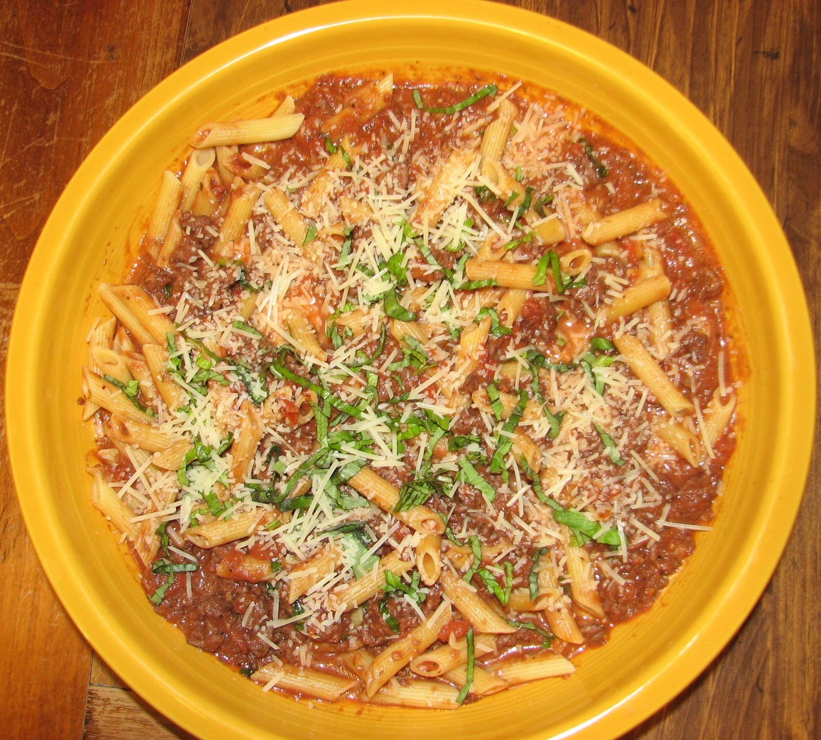 Shel's Kitchen: Weeknight Bolognese