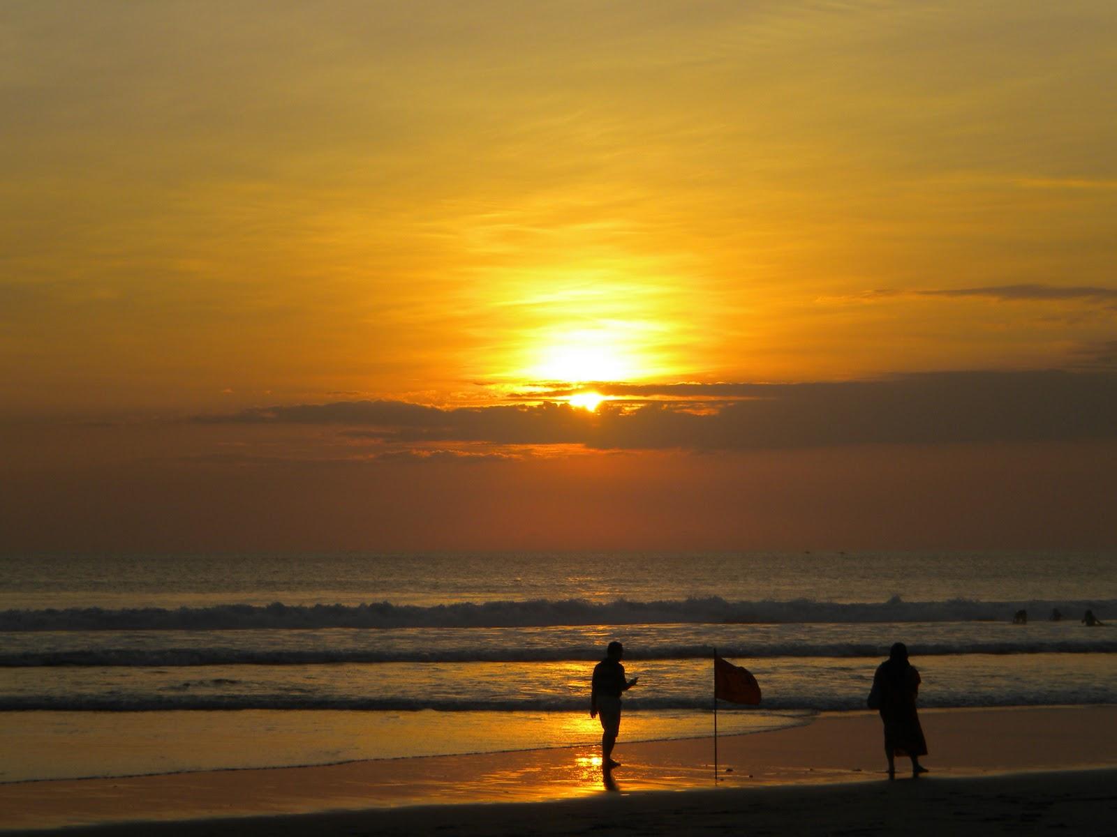 Sunset di Legian Bali (dok foto2perjalanan.blogspot.com)