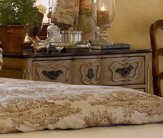 Bedroom Decorating Ideas Totally Toile: Kyandra: Toile