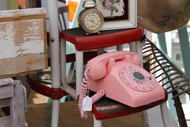 1950s pink phone