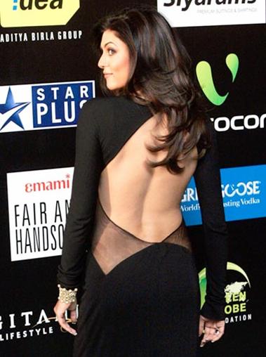Nude Backless photo of Sushmita Sen