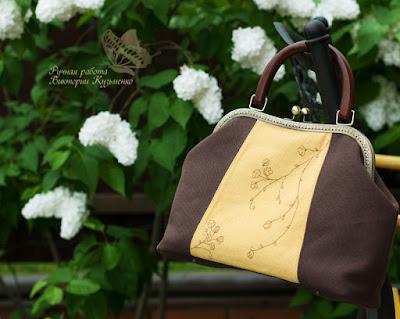 сумка с вышивкой на фермуаре