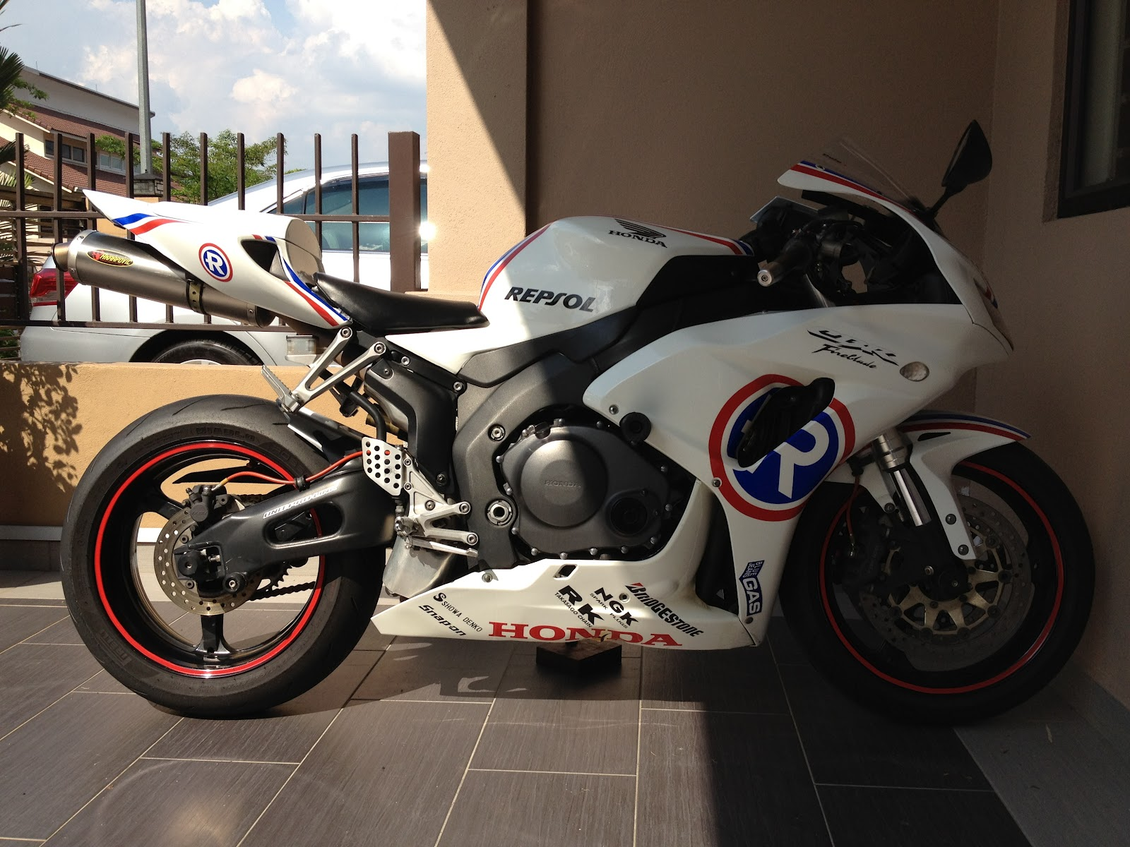 SUPER GREAT SPORTBIKES  FOR SALE  HONDA CBR1000RR 2006  REPSOL  SOLD