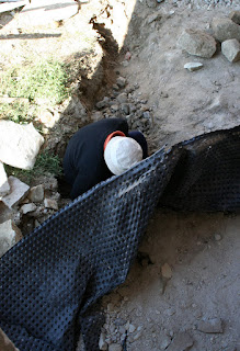 Gyuner excavating