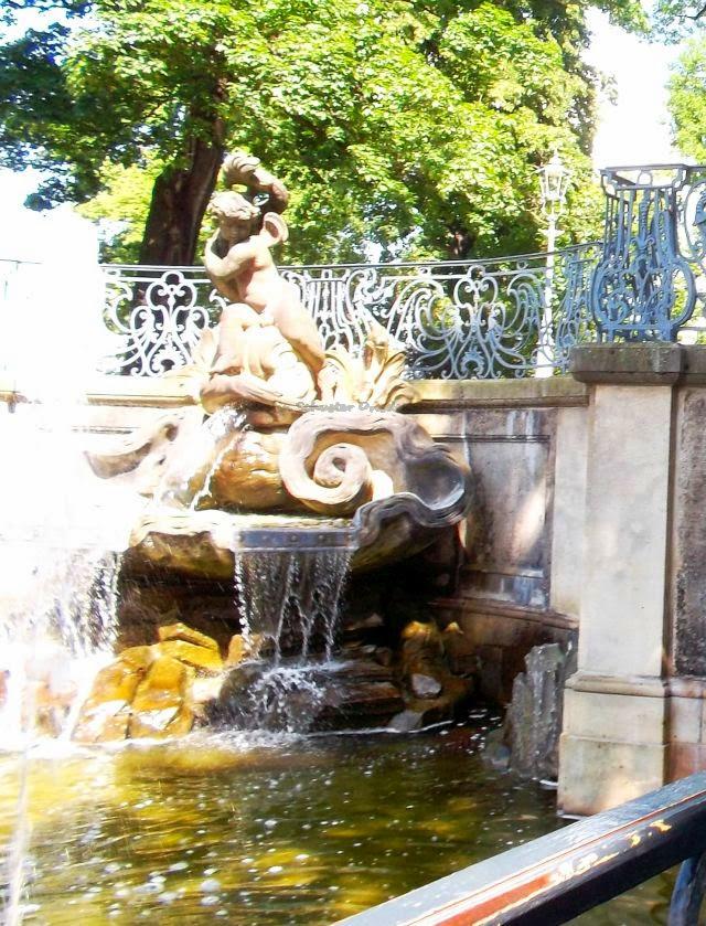 Brühlsche Terrasse Brunnen