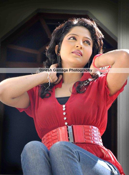 Srilankan actress Lochana Imashi