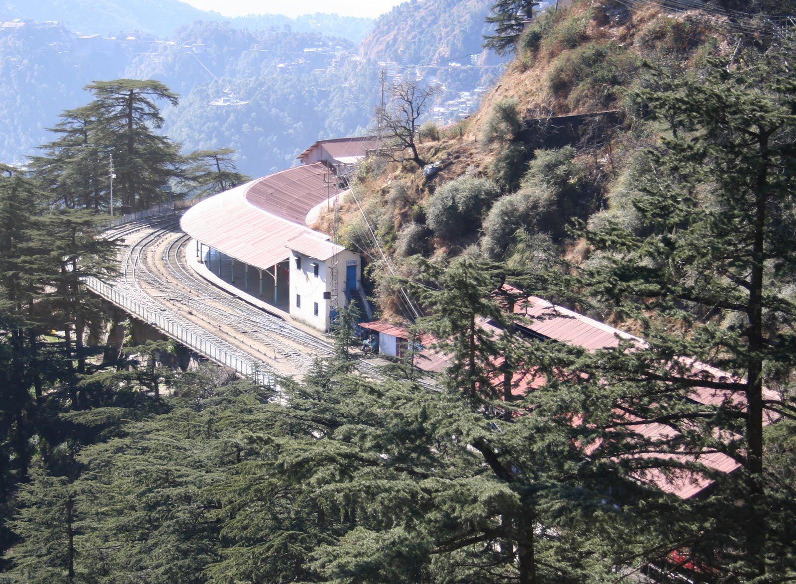 http://2.bp.blogspot.com/-R9zZOUVKe_s/TbEiSaieaPI/AAAAAAAAAcs/4Nt17L5G6kQ/s1600/Shimla_Railway_Station.JPG