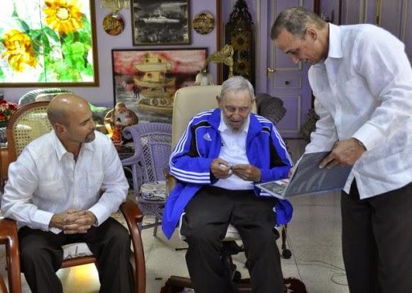 Fidel_castro_se_reunio_con_los_cinco_heroes_cubanos
