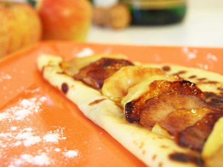 recette des crêpes aux pommes caramélisées et miel
