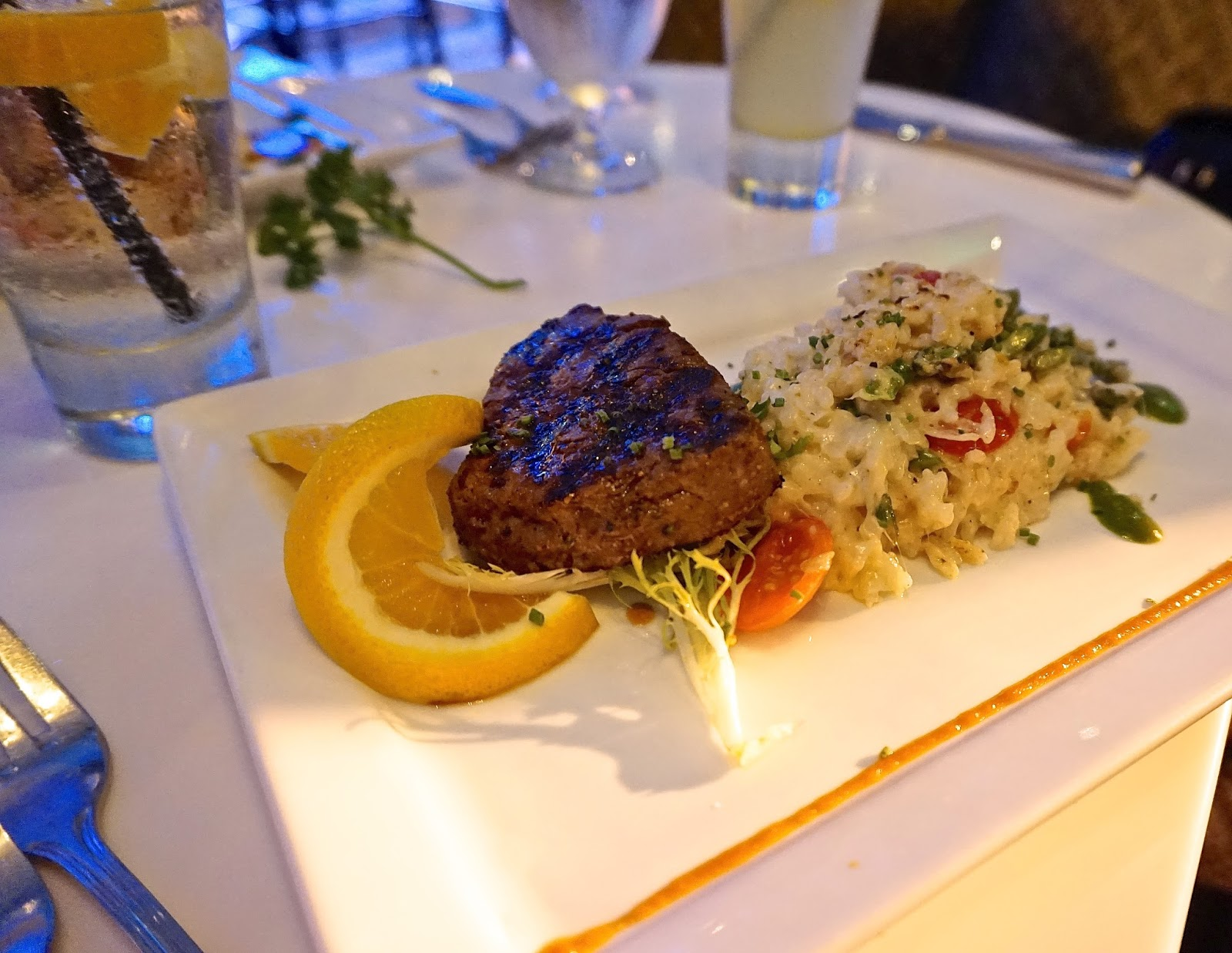 Let's Eat - Chive Sea Bar & Lounge cocktails and seafood