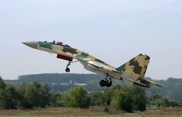 Sukhoi Su-35 afterburner takeoff