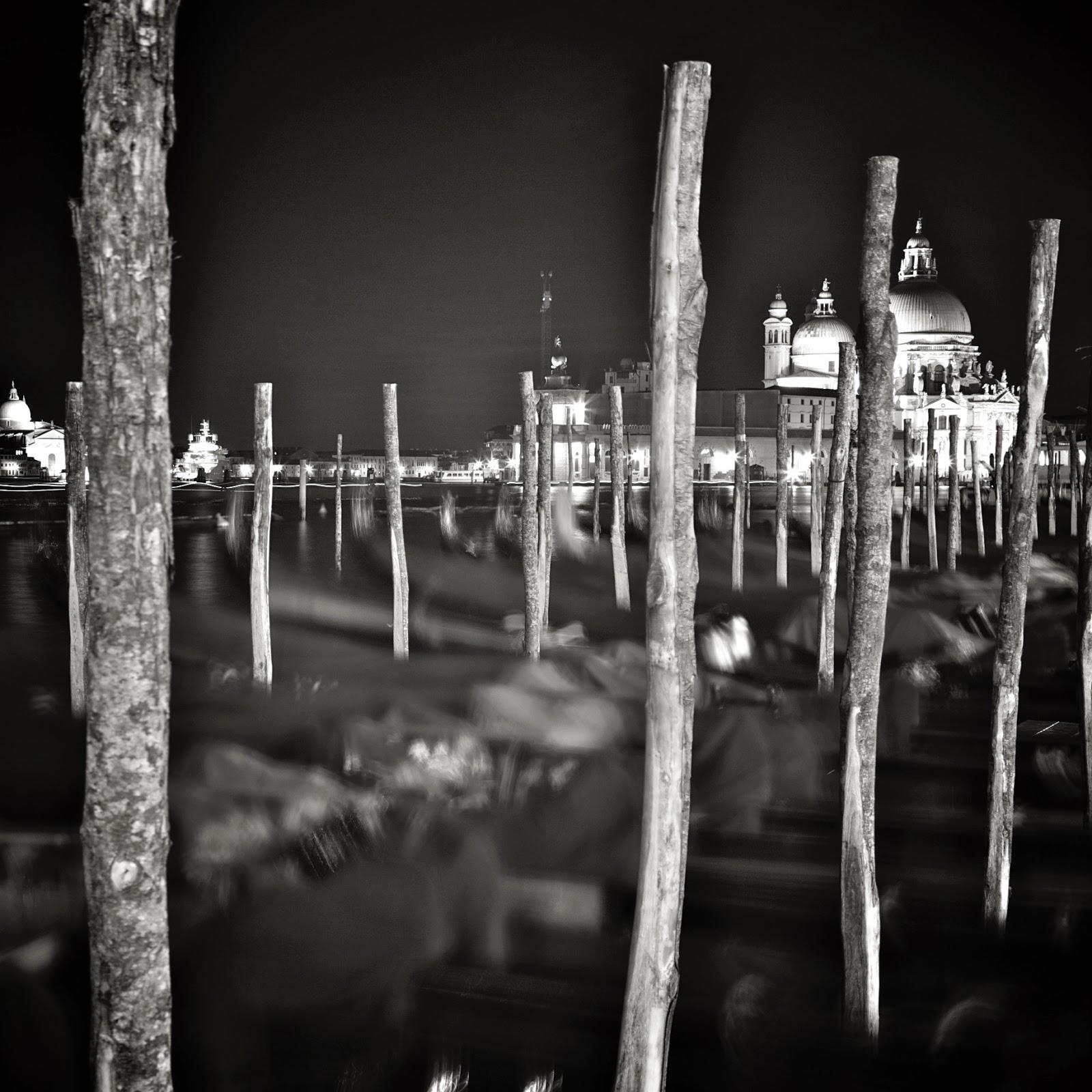Ночная Венеция, Этюд 4 /  Venice at Night, Study 4 (Italy, Venice, 2011), Алексей Аврамчик. Интервью. Alexey Avramchik. Interview. фотограф любитель фотография фотопленка цифровое фото Зенит Nikon Cannon Смена-8М Творчество увлечение индустриальная фотография история amateur photographer photography digital film industrial passion hobby creative works