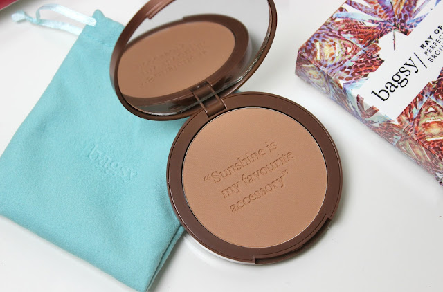 A picture of Bagsy Ray of Sunshine Perfect Glow Bronzing Powder in Light/Medium