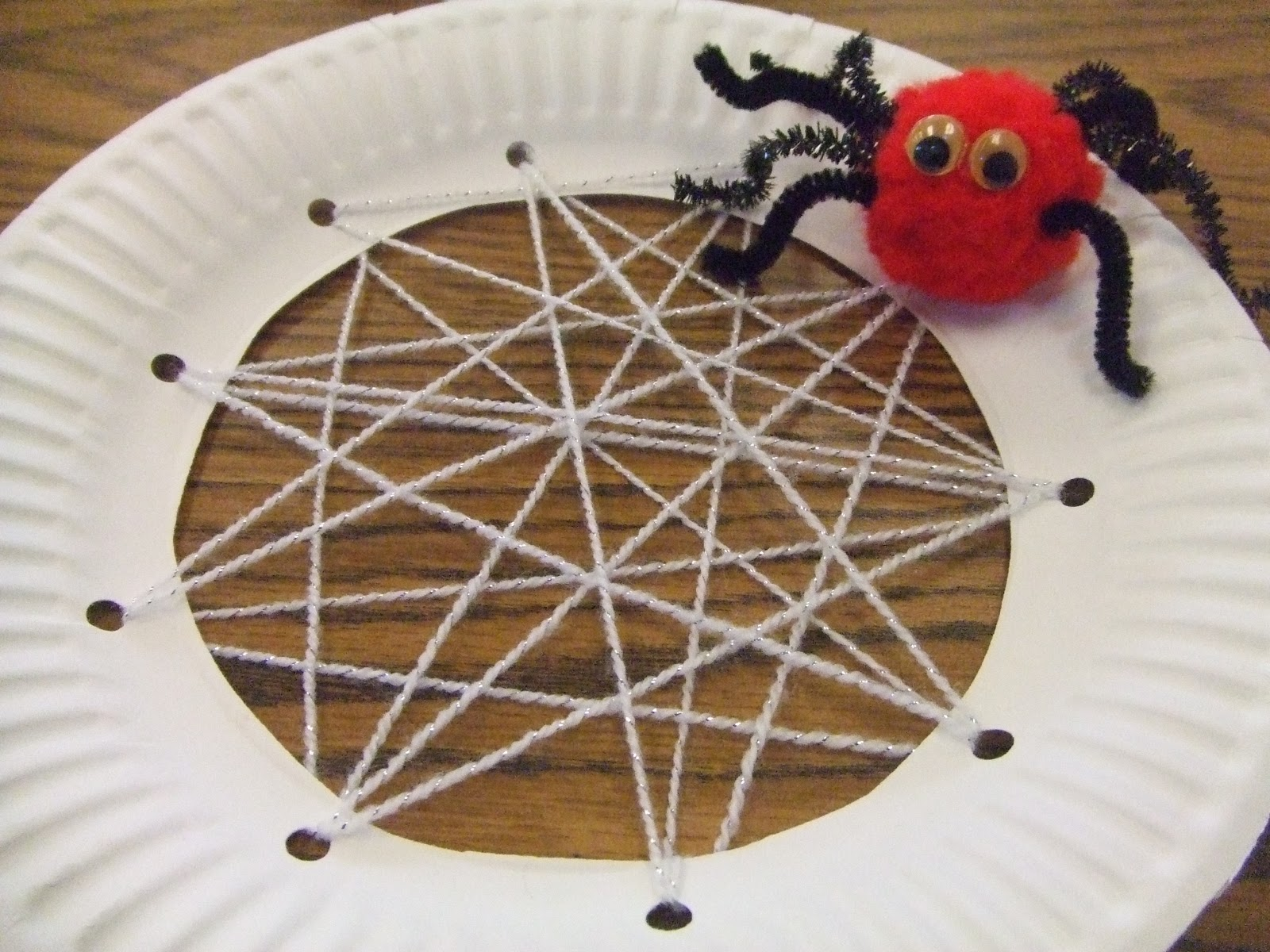 Pom pom spiders and webs fabulous finch facts for Arts and craft websites
