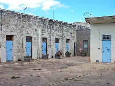 Hotel Penjara Tua Aneh