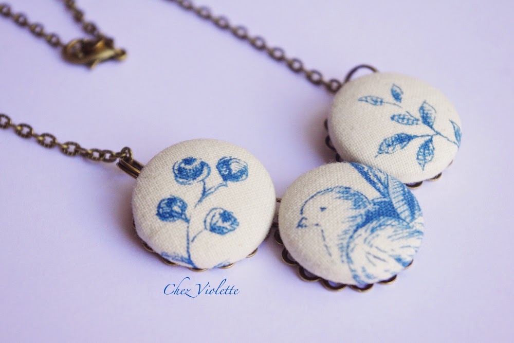 collier en toile de Jouy bleu blanc - French toile necklace blue white