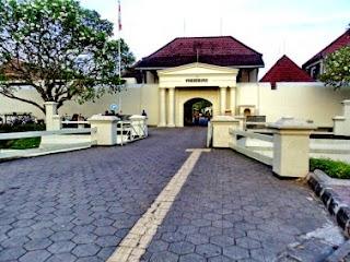 tempat wisata sejarah di indonesia