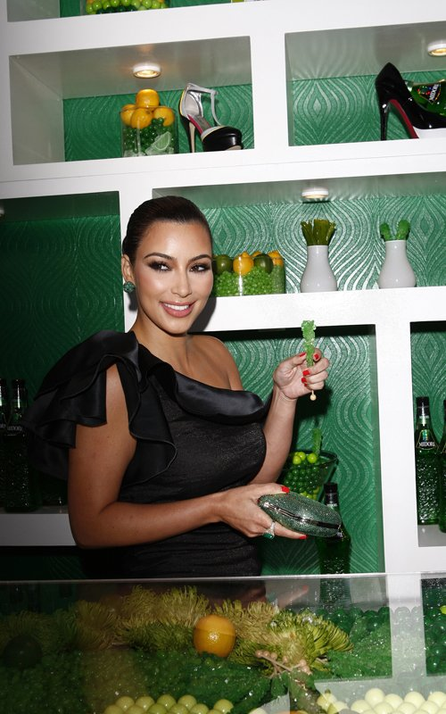 kim kardashian hot sexy pics photos midori liqueur launch los angeles 10th may 2011